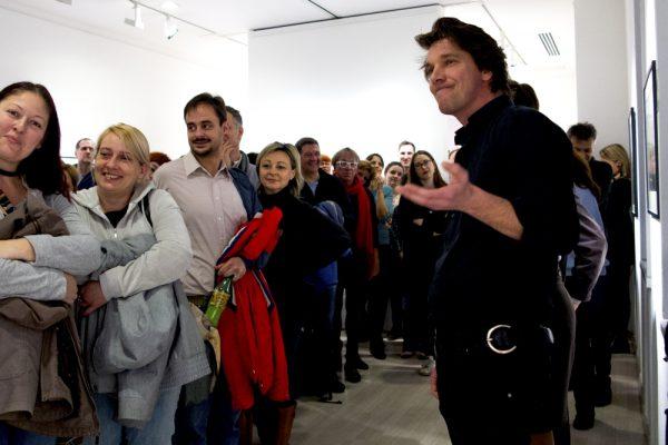 Kiss Tibi tárlatvezetése Korniss Péter kiállításán