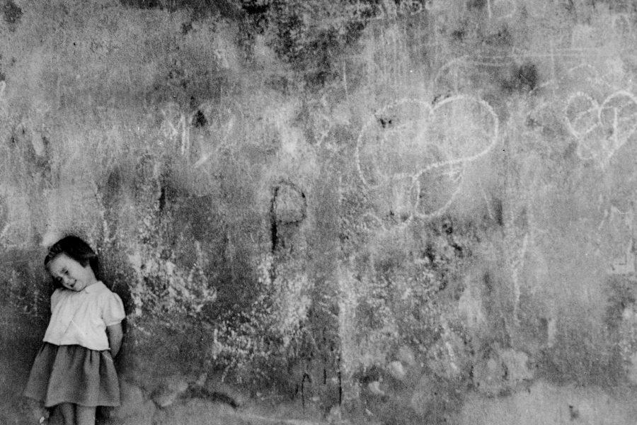 Lucien Hervé: Bánatos Marseille-i kislány