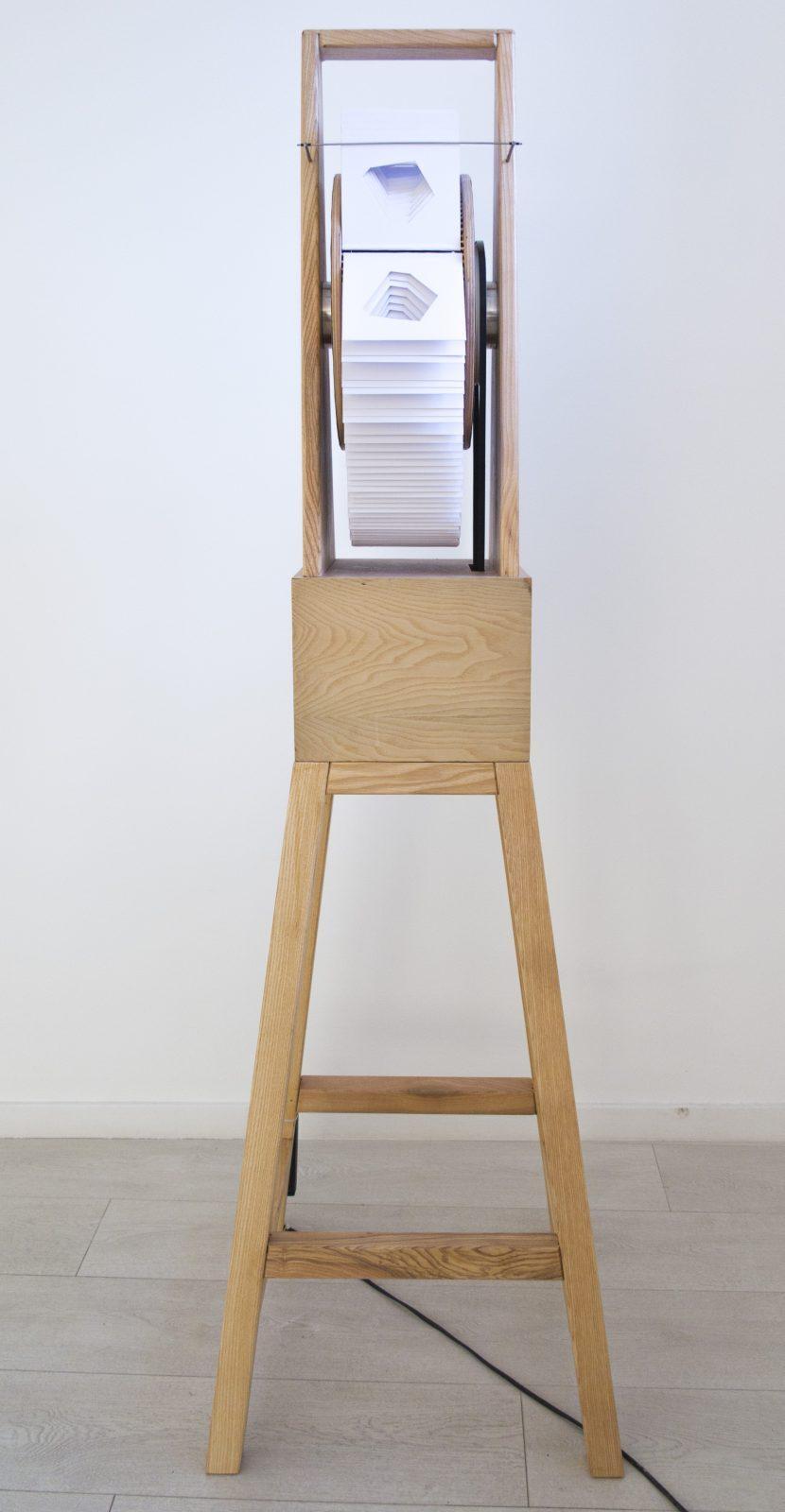 Kazi Roland: Perforált mutoszkóp tetraéderre