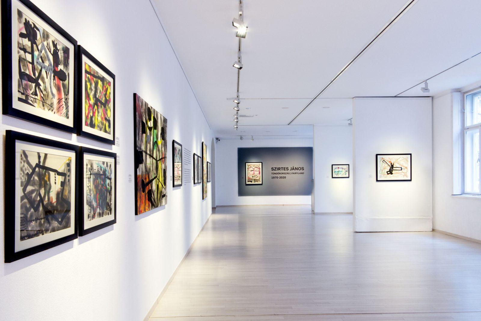 Szirtes János: Tündérország , 1970-2020, Várfok Galéria 2020. kiállítási enteriőr
