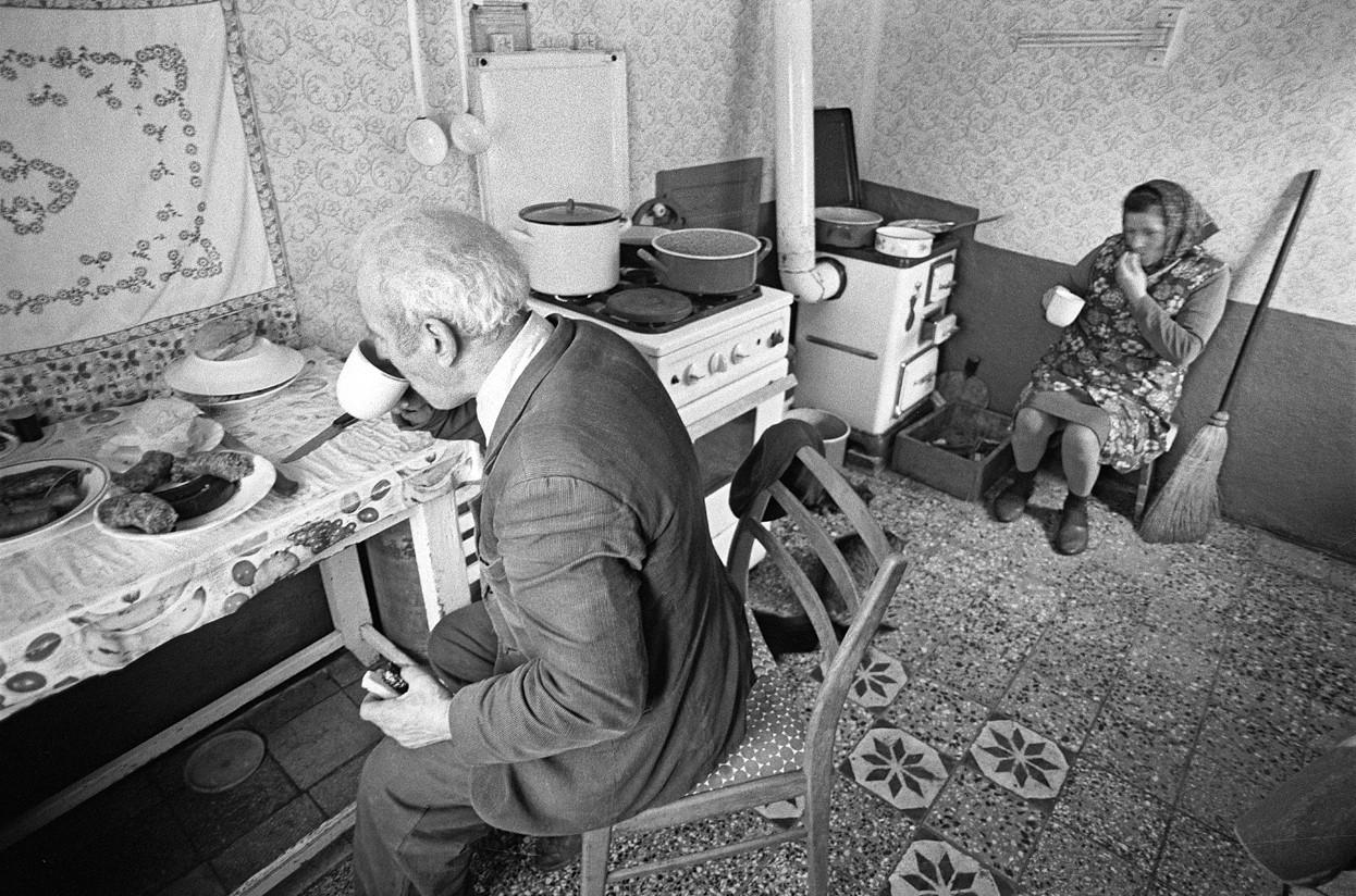 Korniss Péter: Reggeli a konyhában