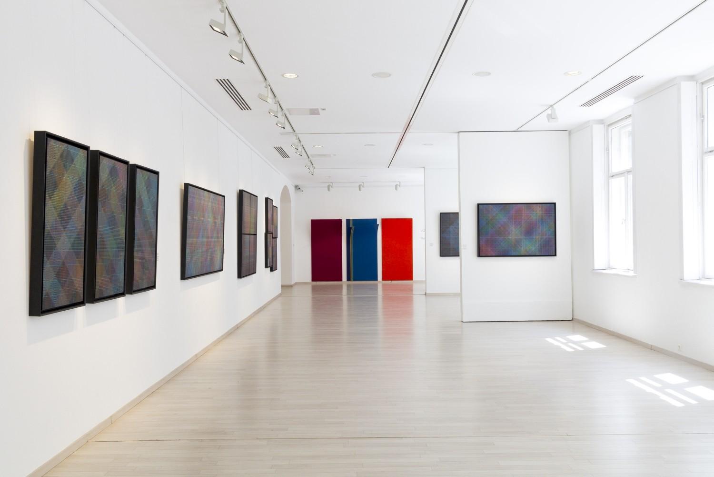 Jovanovics Tamás: Éj-mélyből fölzengő - kiállítási enteriőr, Várfok Galéria, 2016.