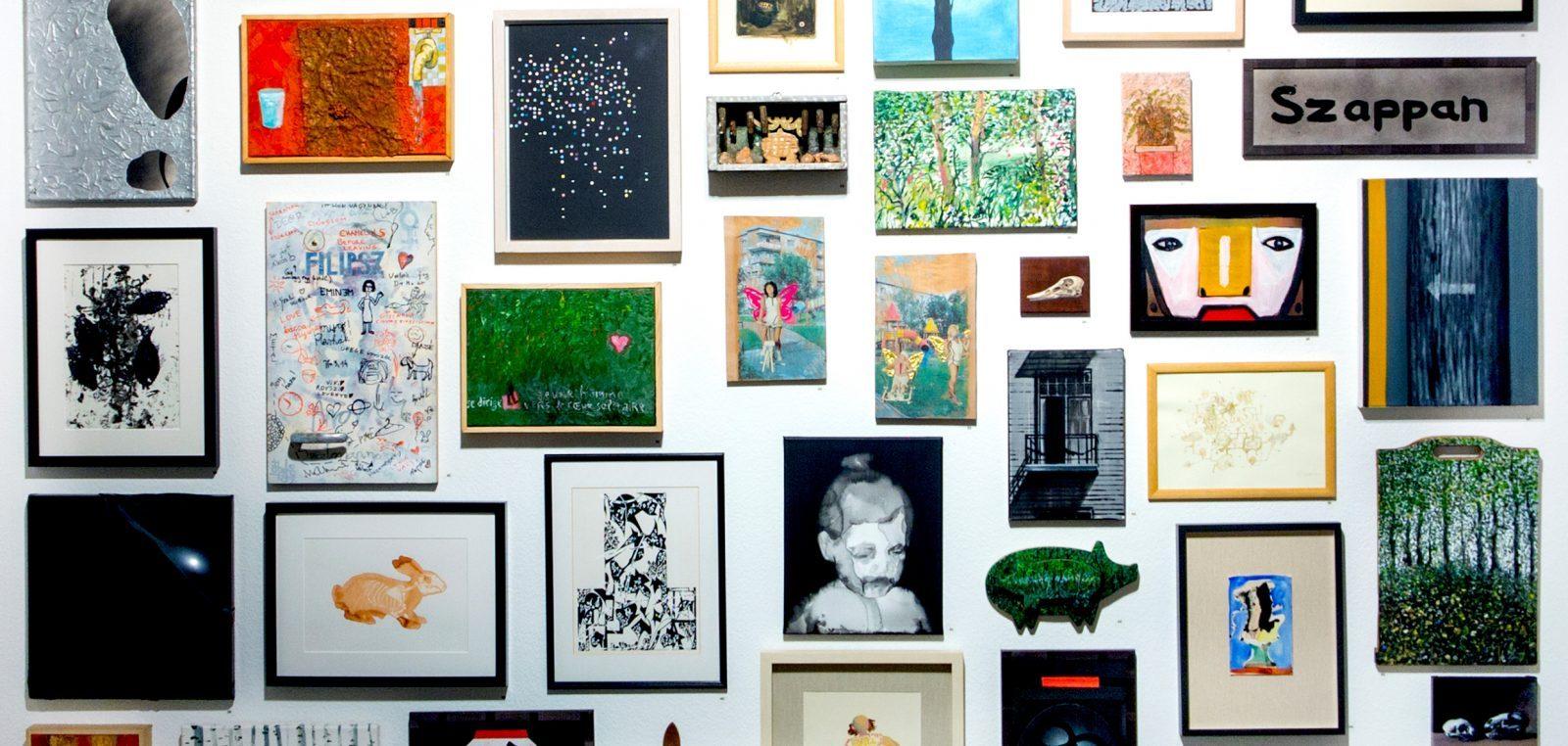 A legkisebbek_kiállítás a kabinetben