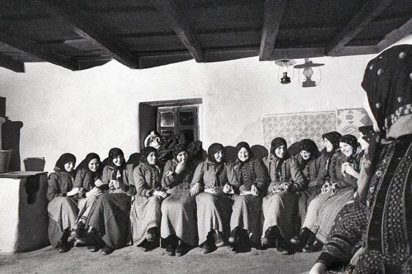 002-Lanyok a tanchazban 1967
